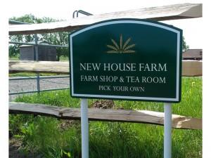 New House Farm Sign